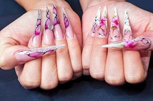 Häftig design på dessa naglar