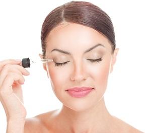Användning av serumet på ögonfransarna