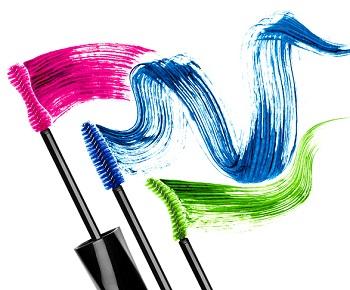 Färgad mascara i blått, grönt och rosa